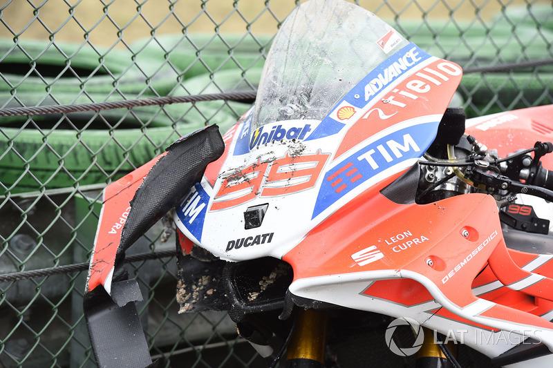 O estado da moto de Lorenzo, que caiu enquanto liderava a prova.