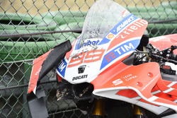 Jorge Lorenzo, Ducati Team crashed bike