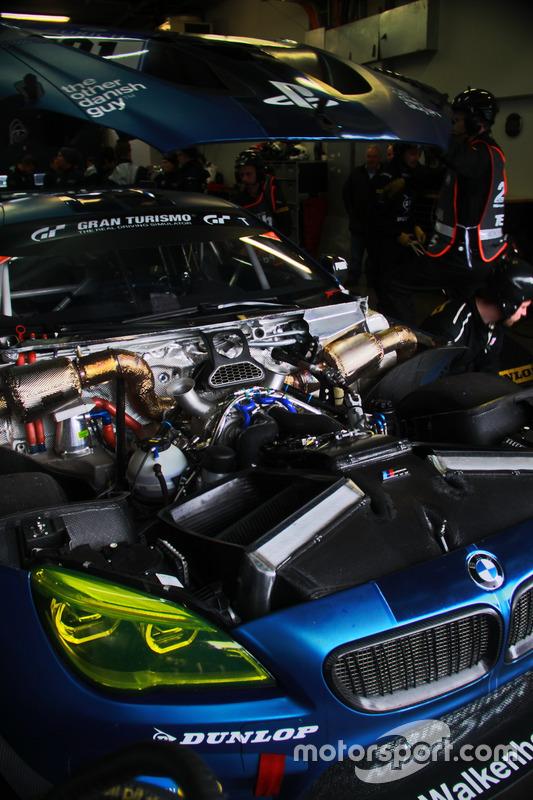 #101 Walkenhorst Motorsport powered by Dunlop, BMW M6 GT3:Matias Henkola Finnland, Kazunori Yamauchi, George Richardson, Max Sandritter