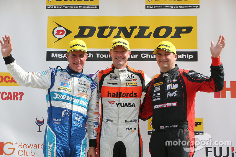 Podyum: 1. Gordon Shedden, Halfords Yuasa Racing, 2. Mat Jackson, Motorbase Performance, 3. Jason Plato, Silverline Subaru BMR Racing