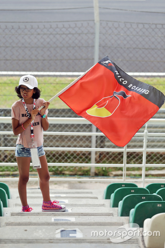 A young Nico Rosberg, Mercedes AMG F1 fan