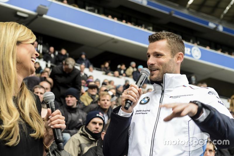 DTM-Fahrer Martin Tomczyk bei der BMW-Angestelltenfeier in der Allianz-Arena