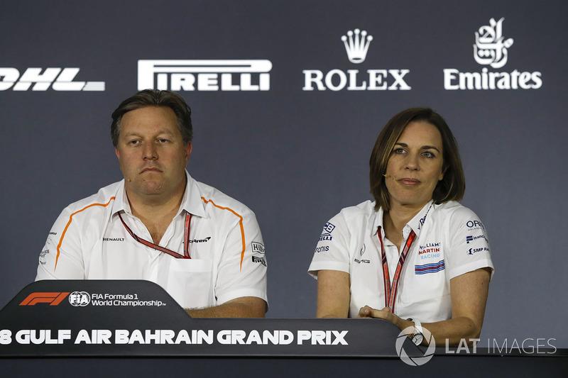 Zak Brown, director ejecutivo de McLaren y Claire Williams, directora adjunta del equipo de Williams en la conferencia de prensa