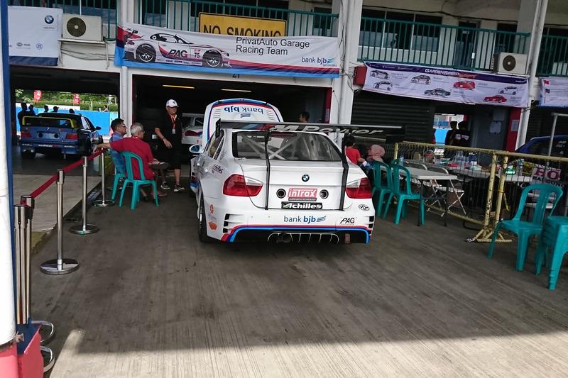 Paddock Privat Auto Garage