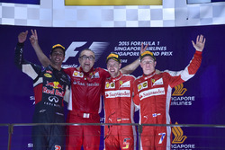 Подиум: победитель гонки Себастьян Феттель, Ferrari, второе место – Даниэль Риккардо, Red Bull Racing, третье место – Кими Райкконен, Ferrari