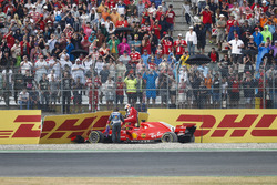 Sebastian Vettel, Ferrari SF71H, crashes out