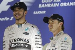Podio: el ganador, Lewis Hamilton, Mercedes AMG y el tercero, Nico Rosberg, Mercedes AMG