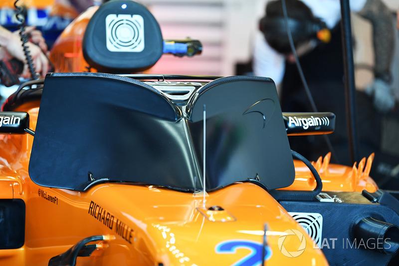 Stoffel Vandoorne, McLaren MCL33 y cubierta de halo