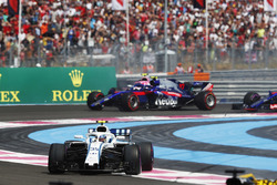 Sergey Sirotkin, Williams FW41, leads Pierre Gasly, Toro Rosso STR13