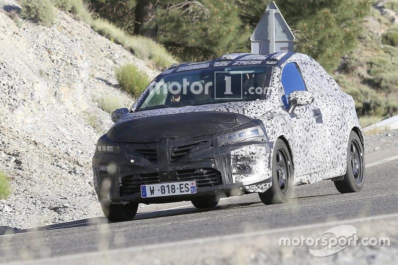 Renault Clio 5 (spyshot)