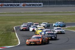 Restart after red flag, Lucas Auer, Mercedes-AMG Team HWA, Mercedes-AMG C63 DTM leads