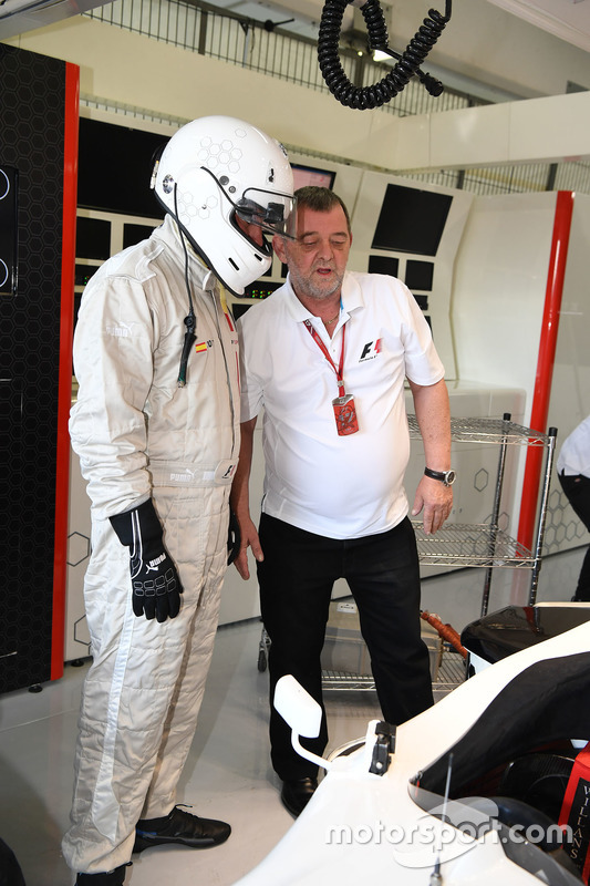 F1 Experiences 2-Seater passenger Will Buxton, NBC TV Presenter and Paul Stoddart