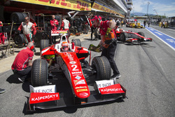 Antonio Fuoco, PREMA Powerteam next to Charles Leclerc, PREMA Powerteam