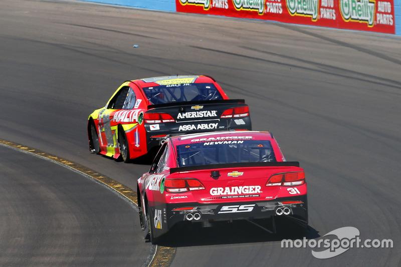 Ryan Newman, Richard Childress Racing Chevrolet y Dale Earnhardt Jr., Hendrick Motorsports Chevrolet