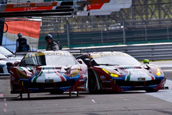 #51 AF Corse Ferrari 488 GTE: James Calado, Alessandro Pier Guidi and #71 AF Corse Ferrari 488 GTE: Davide Rigon, Sam Bird
