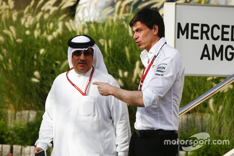 Shaikh Mohammed bin Essa Al-Khalifa with Toto Wolff, Executive Director, Mercedes AMG