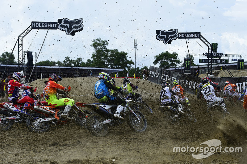 Start Race 1 MXGP Indonesia