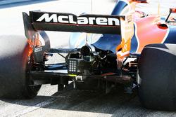 Stoffel Vandoorne, McLaren MCL32 rear diffuser and rear wing detail