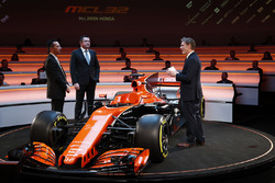 Yusuke Hasegawa, Senior Managing Officer, Honda, Eric Boullier, Racing Director, McLaren, and presenter Simon Lazenby on stage for the launch of the McLaren MCL32