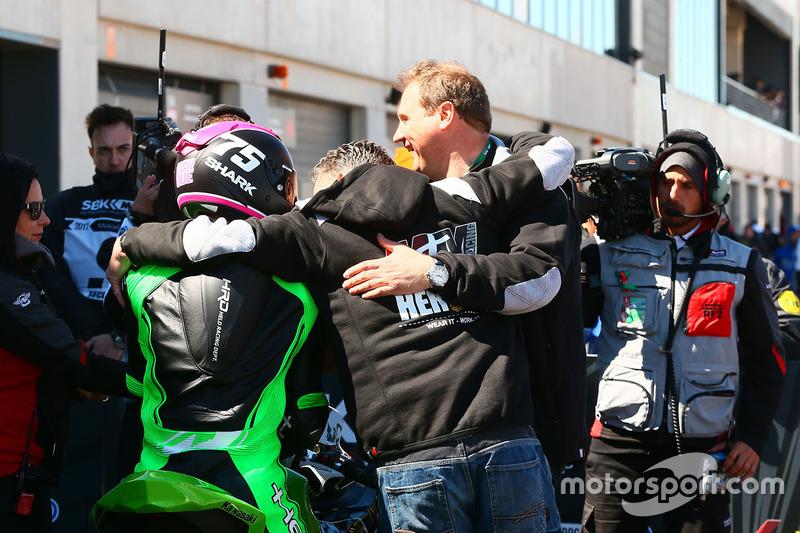SSP300 race winner Scott Deroue, MTM HS Kawasaki