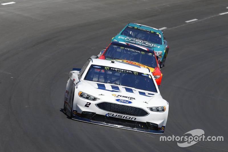 Brad Keselowski, Team Penske, Ford; Martin Truex Jr., Furniture Row Racing, Toyota