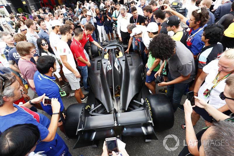 La nouvelle F2 dans le paddock