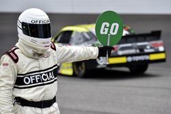 NASCAR official and Matt Tifft, Joe Gibbs Racing Toyota