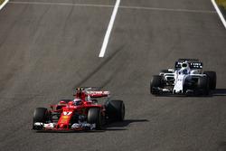 Кімі Райкконен, Ferrari SF70H, Феліпе Масса, Williams FW40