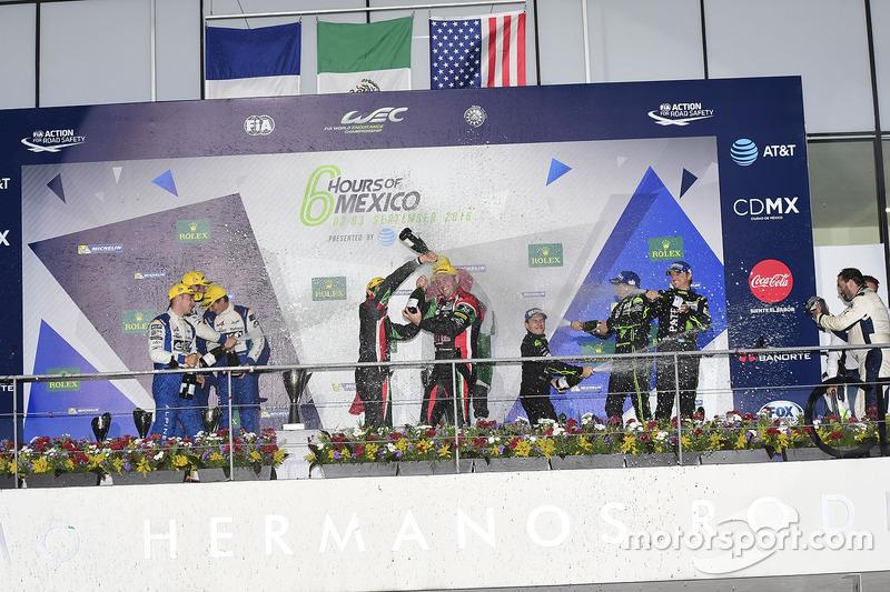 LMP2 podium: first place Ricardo Gonzalez, Filipe Albuquerque, Bruno Senna, RGR Sport by Morand, second place Gustavo Menezes, Nicolas Lapierre, Stéphane Richelmi, Signatech, third place Ryan Dalziel, Pipo Derani, Christopher Cumming, Extreme Speed Motorsports