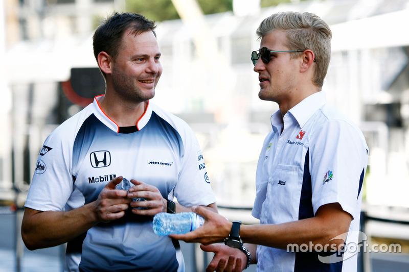 Маркус Ерікссон, Sauber F1 Team (праворуч)