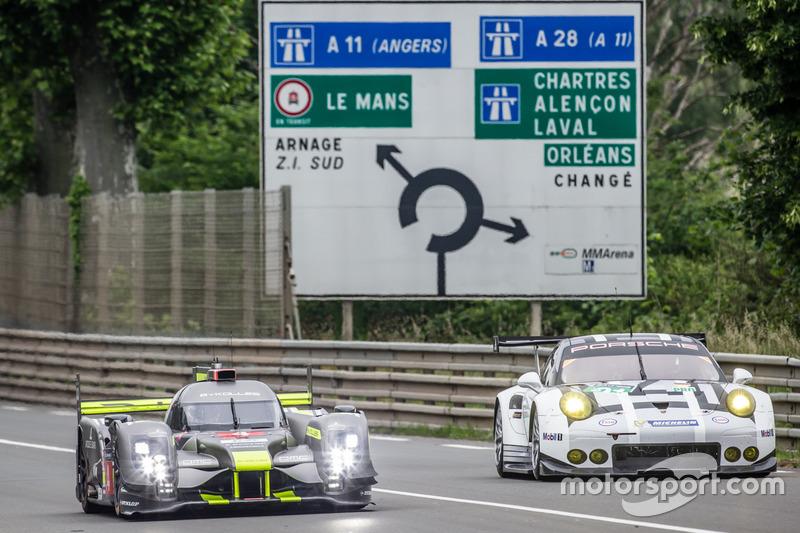 #4 ByKolles Racing CLM P1/01: Сімон Труммер, П'єрр Каффер, Олівер Вебб та  #91 Porsche Motorsport Porsche 911 RSR: Нік Тенді, Патрік Пілет, Кевін Естр