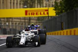 Marcus Ericsson, Sauber C37 Ferrari, Pierre Gasly, Toro Rosso STR13 Honda