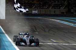 Checkered flag Valtteri Bottas, Mercedes F1 W08