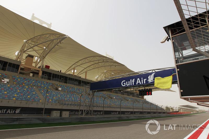 В этот день состоялось заседание Международного совета по автоспорту, где представители FIA все-таки проголосовали за перенос Гран При. Новой датой назначили 30 октября