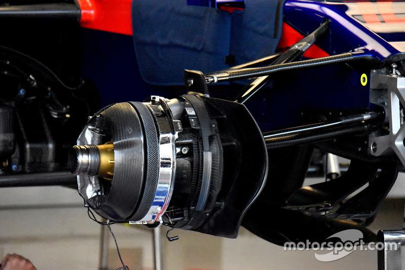 Scuderia Toro Rosso STR13 sistema de frenos