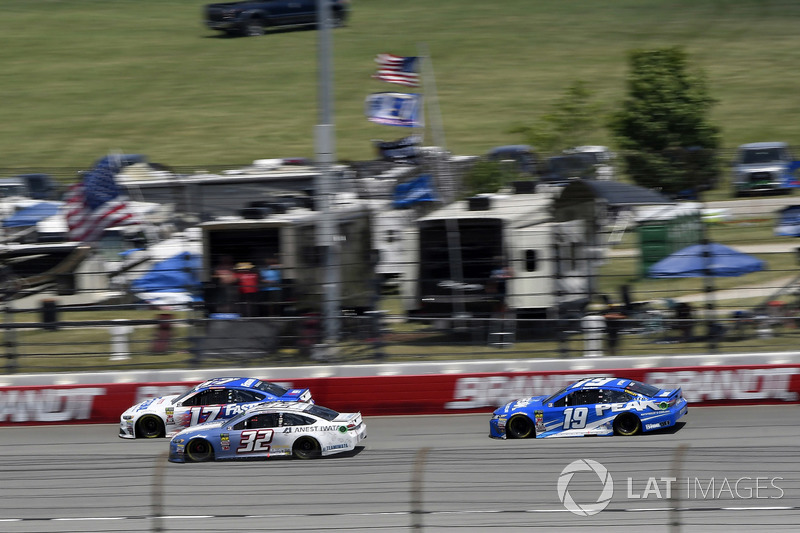 Ricky Stenhouse Jr., Roush Fenway Racing, Ford Fusion Fastenal, Matt DiBenedetto, Go FAS Racing, Ford Fusion Anest Iwata e Daniel Suarez, Joe Gibbs Racing, Toyota Camry PEAK