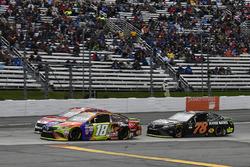 Ryan Blaney, Wood Brothers Racing Ford, Kyle Busch, Joe Gibbs Racing Toyota, Martin Truex Jr., Furniture Row Racing Toyota