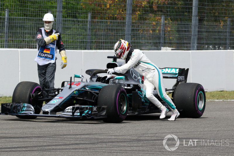 Disaster for Hamilton in qualifying