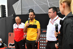 Frederic Vasseur, Sauber, Team Principal, Cyril Abiteboul, Renault Sport F1 Managing Director and Eric Boullier, McLaren Racing Director