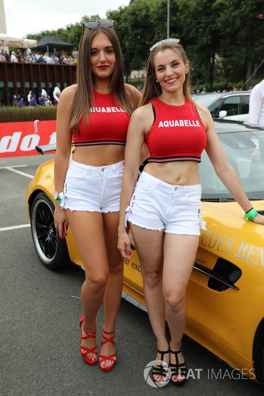 Girls during drivers parade