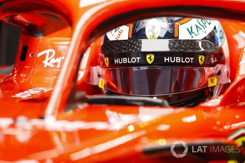 Kimi Raikkonen, Ferrari, in cockpit