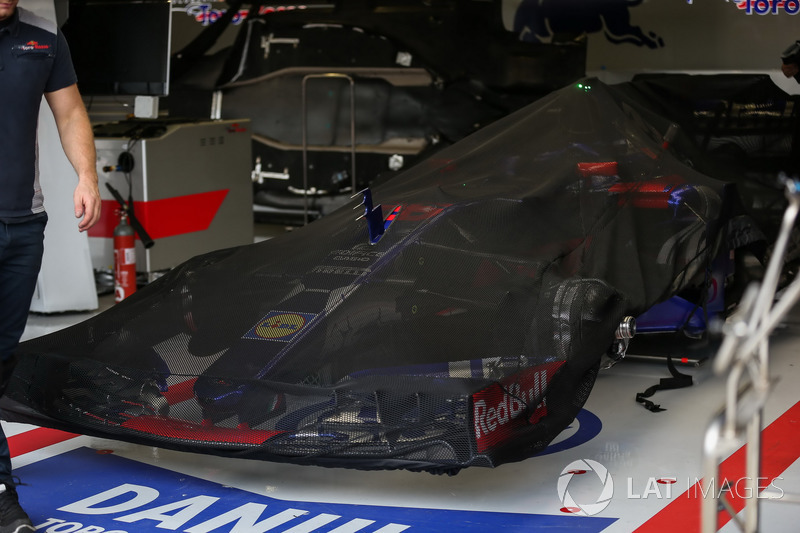 Box: Scuderia Toro Rosso