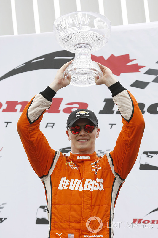 Podio: ganador Josef Newgarden, Team Penske Chevrolet