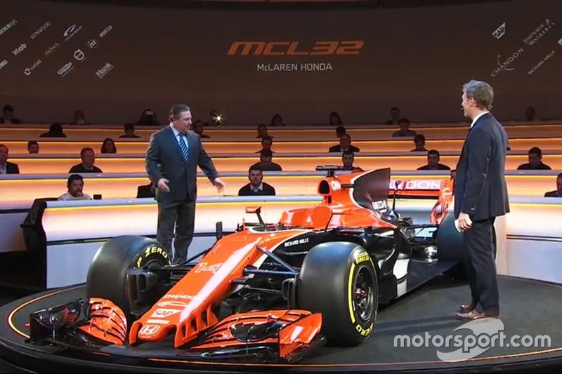 McLaren MCL32 ve Zak Brown, McLaren Executive Director