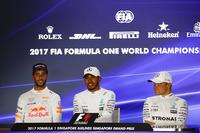 Basın Toplantısı: Yarış galibi Lewis Hamilton, Mercedes AMG F1, 2. Daniel Ricciardo, Red Bull Racing, 3. Valtteri Bottas, Mercedes AMG F1
