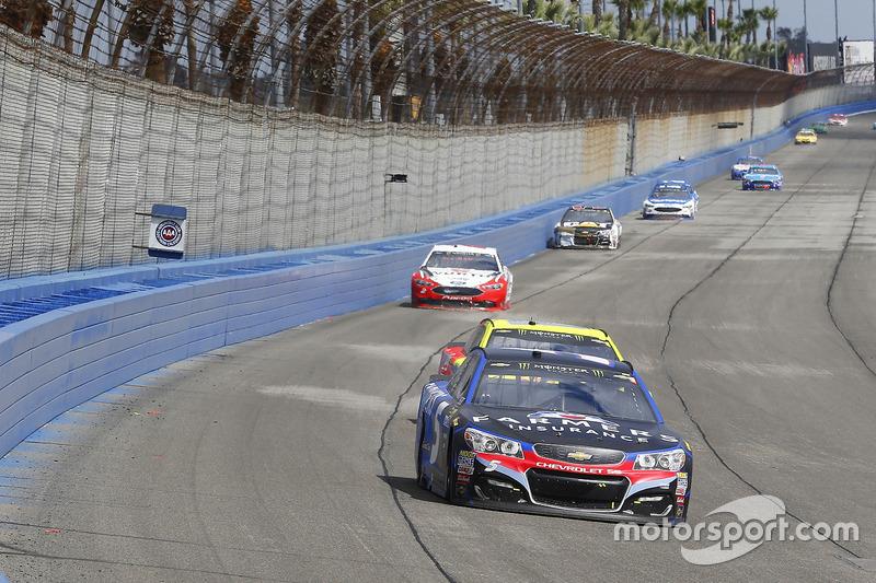 Kasey Kahne, Hendrick Motorsports, Chevrolet; Dale Earnhardt Jr., Hendrick Motorsports, Chevrolet