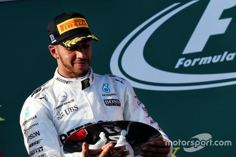 Podium: segundo, Lewis Hamilton, Mercedes AMG F1