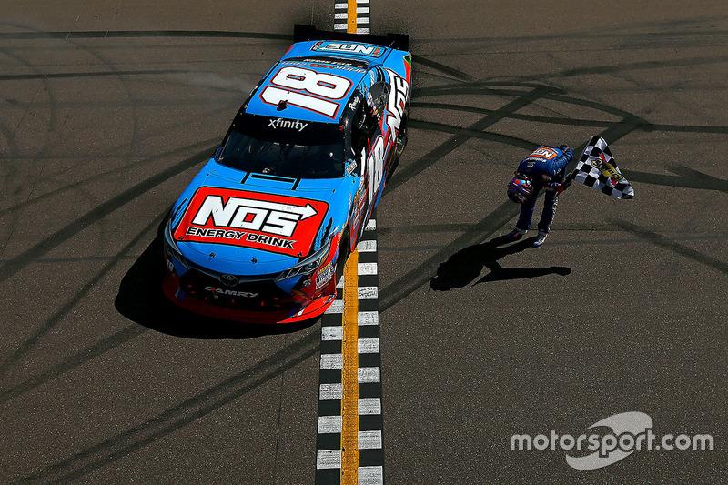 #5: Sieger Kyle Busch (Gibbs-Toyota)