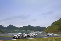 1.6T Race action