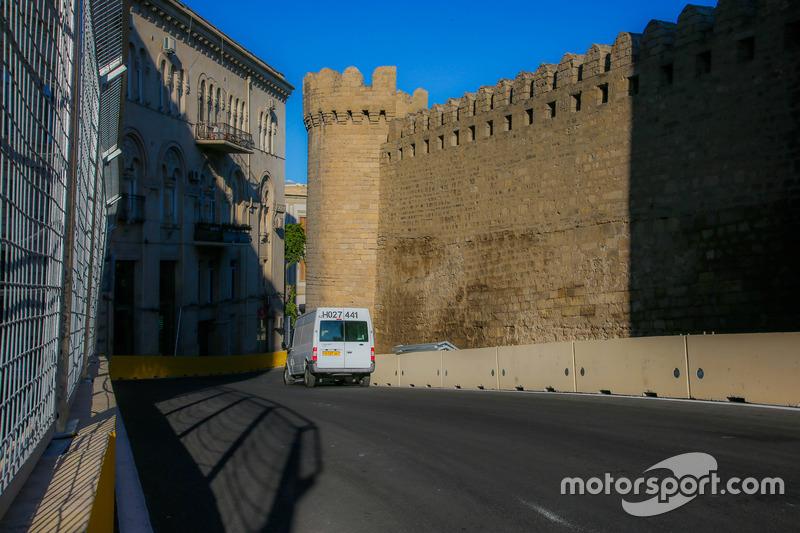 Траса в Баку, 10-й поворот біля фортеці